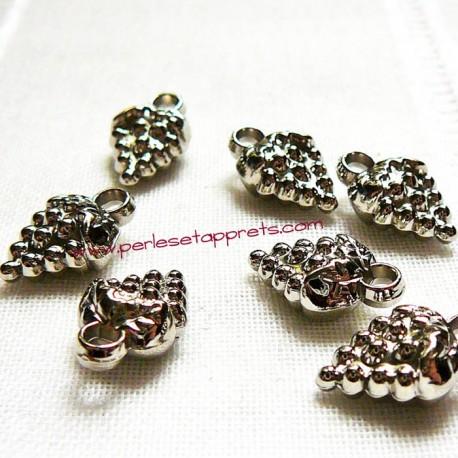 Lot 5 breloques fraise argentée acrylique pour bijoux perles et apprêts