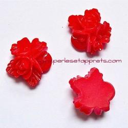 Cabochon résine triple fleur rouge 16mm pour bijoux, perles et apprêts
