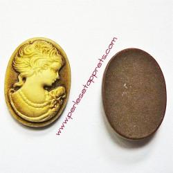 Cabochon résine camée femme marron 24mm pour bijoux, perles et apprêts