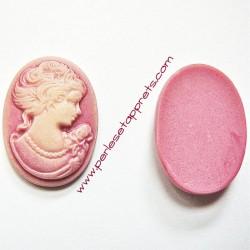Cabochon résine camée femme rose 24mm