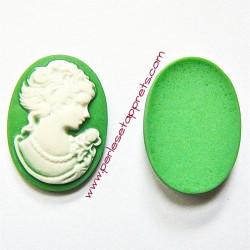 Cabochon résine camée vert 24mm pour bijoux, perles et apprêts