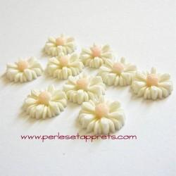 Cabochon résine fleur marguerite ivoire 14mm pour bijoux, perles et apprêts
