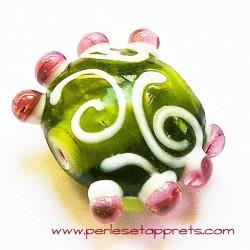 Perle ronde picot en verre vert 24mm