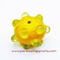 Perle ronde picot en verre jaune 17mm