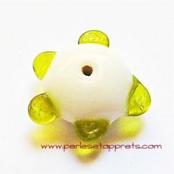 Perle ronde picot en verre blanc vert 18mm