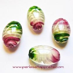 Perle ovale en verre vert rose 25mm