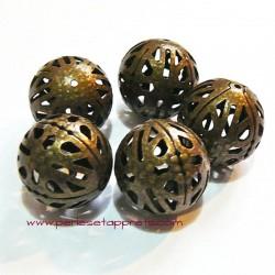 Perle ronde filigranée en bronze 16mm