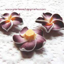 Perle fleur en fimo marron 20mm