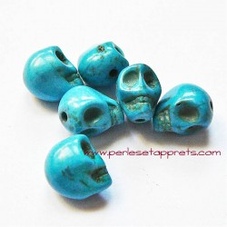 Tête de mort howlite bleu 10mm