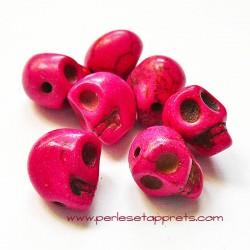 Tête de mort, skull, howlite rose fuchsia 10mm, pour bijoux, perles et apprêts