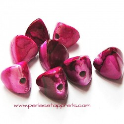 Perle synthétique pyramide fuchsia 13mm