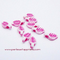Perle synthétique feuille fuchsia 10mm