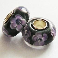 Perle en verre gros trou noir fleur mauve 14mm